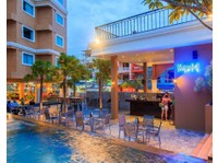 Citrus Parc Pattaya Hotel (4) - Hotels & Hostels