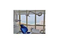 dental experts center l/l/c (1) - Dentists