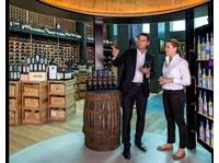 Le Clos - Finest Wines & Luxury Spirits (2) - Bars & Lounges
