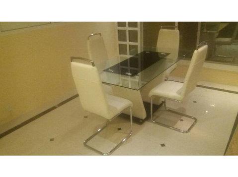 050 8811480 Trust Used Furniture Buyers In Dubai - Furniture