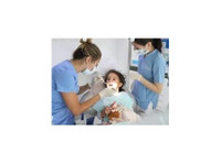 dubai sky clinic dental center (1) - Dentists