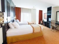 Holiday Inn Dubai - Al Barsha (1) - Hotels & Hostels