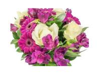 Flowers Battersea (2) - Gifts & Flowers