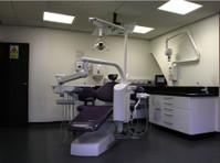 Fiveways Dental Practice (3) - Dentists