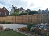 SFR Fencing (1) - Home & Garden Services