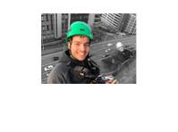 Struan Window Cleaning (1) - Cleaners & Cleaning services