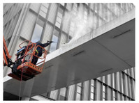 Struan Window Cleaning (3) - Cleaners & Cleaning services