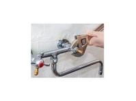 Trowbridge Plumbers (2) - Plumbers & Heating