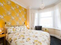 Kenways Guest House (3) - Hotels & Hostels
