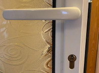 Locks and Glass (4) - Security services