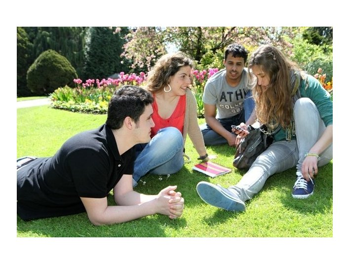 Harrogate Language Academy - Language schools