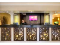 Mercure Milton Keynes Hotel (2) - Hotels & Hostels