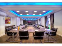 Mercure Milton Keynes Hotel (8) - Hotels & Hostels