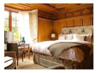 The Wood Norton (6) - Hotels & Hostels