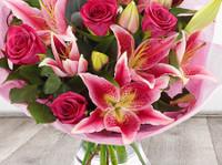 Sunflowers Florist (1) - Gifts & Flowers