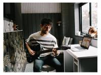 Sean Bishop Guitar Tutor (1) - Music, Theatre, Dance