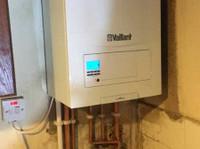 R1 Gas & Plumbing (2) - Plumbers & Heating