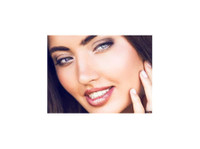 Aesthetika Dental Studio (4) - Dentists