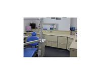 Aesthetika Dental Studio (5) - Dentists