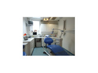 London Dental Studio (2) - Dentists