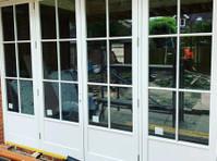 Bespoke Wooden Windows* Probuild Resources Ltd (5) - Ferestre, Uşi şi Conservatoare