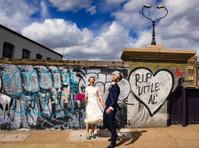 Jonny Barratt Wedding Photography (1) - Photographers