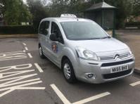 Hinton Cars Taxi Service (1) - Taxi Companies