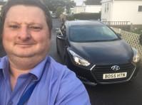 Hinton Cars Taxi Service (2) - Taxi Companies