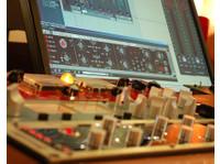 Red Mastering Studio (2) - Live Music