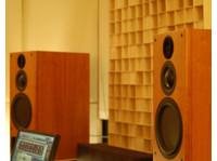 Red Mastering Studio (4) - Live Music