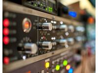 Red Mastering Studio (5) - Live Music