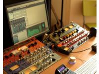 Red Mastering Studio (7) - Live Music