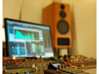 Red Mastering Studio (8) - Live Music