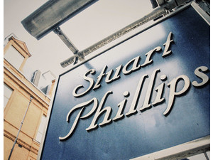Stuart Phillips Salon - Cosmetics