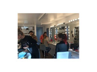 Studio50 Makeup School (4) - Adult education