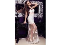 Laila (8) - Clothes
