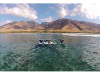Maui Surf Lessons Llc (3) - Games & Sports