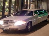Lone Star Suv & Limo LLC (1) - Taxi Companies