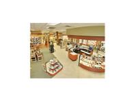 Roderer Shoe Center (2) - Shopping