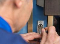 Alliance Locksmiths (3) - Home & Garden Services