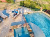Aquavision Pool & Spa (6) - Swimming Pool & Spa Services