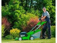 Atlanta Landscape and Fertilization (3) - Gardeners & Landscaping