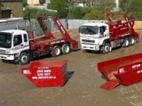 Just Skips (3) - Cleaners & Cleaning services