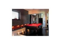 Solo Milwaukee Pool Table Movers (1) - Removals & Transport