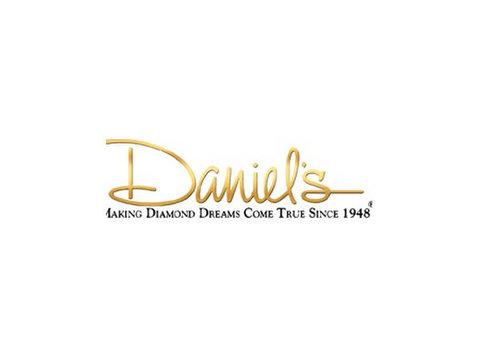Mothers Rings | Diamond Jewelry | Daniel's Jewelers951-652-1 - Jewellery