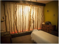 Back in a Flash Chiropractic & Massage (2) - Spas