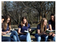 Kansas City Girls Academy (3) - Международни училища