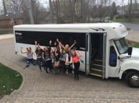 Rockstarz Limousine & Party Bus (3) - Car Rentals