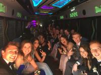 Rockstarz Limousine & Party Bus (6) - Car Rentals