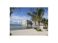 Princess Bayside Beach Hotel (1) - Hotels & Hostels
